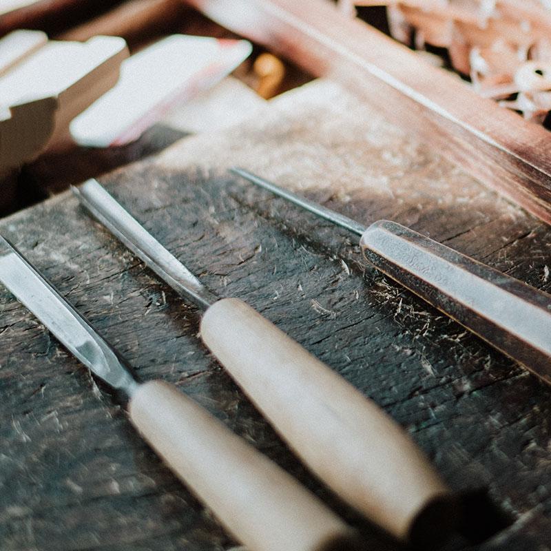 Outil du menuisier charpentier bois