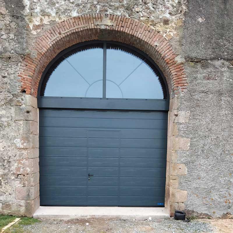 pose de porte de garage après - Menuiserie Marquis
